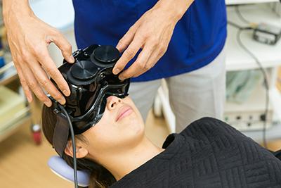眼振記録検査の様子